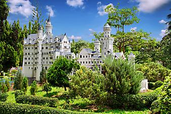 Неповторимый старый замок. (Код изображения: 18018)