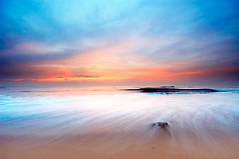 Красивый закат на пляже. (Код изображения: 04009)