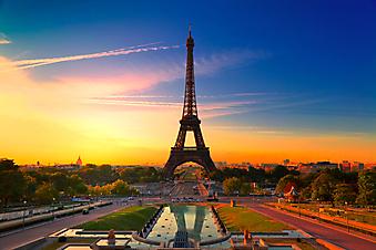 Восход солнца в Париже. (Код изображения: 04013)