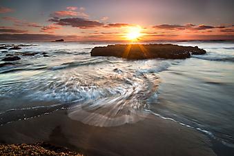 Рассвет на море. (Код изображения: 04016)