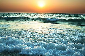 Закат на море. (Код изображения: 04017)