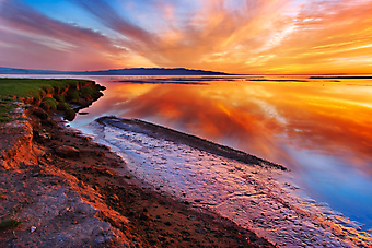 Закат на озере. (Код изображения: 04024)