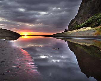 Закат на озере. (Код изображения: 04033)