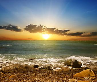 Закат на фоне моря. (Код изображения: 04034)