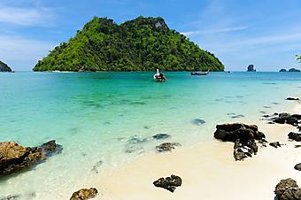 Скалистый пляж. (Код изображения: 05014)