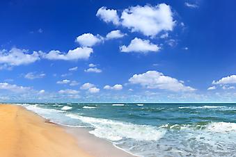 Пустынный пляж. (Код изображения: 05043)