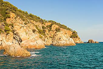 Скалы на побережье Коста Брава. Испания (Каталог №: 05090)