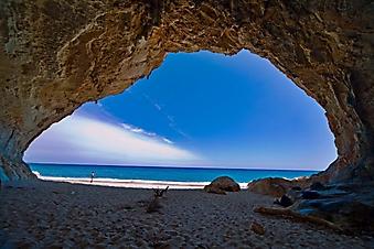 Пещера на океанском побережье (Каталог номер: 05122)
