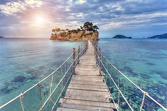 Деревянный мост к острову (Каталог номер: 05175)