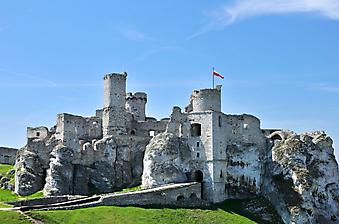 Средневековый замок в Польше. (Код изображения: 08003)