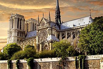 Собор парижской богоматери. (Код изображения: 08011)