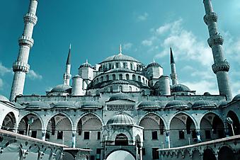 Мечеть в Стамбуле. (Код изображения: 08017)