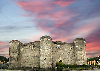 Крепость Урсино. (Код изображения: 08025)