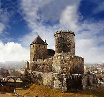 Замок в Польше. (Код изображения: 08033)