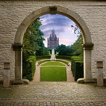 Прекрасный вид к замку. (Код изображения: 08034)