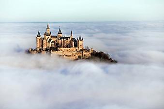 Волшебный замок Гогенцоллерн над облаками (Каталог номер: 08044)