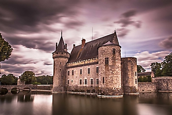 Замок Сюлли-сюр-Луар на озере (Каталог номер: 08070)