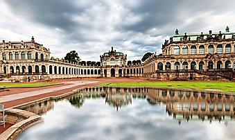 Двор дворца Цвингер, Дрезден (Каталог номер: 08074)